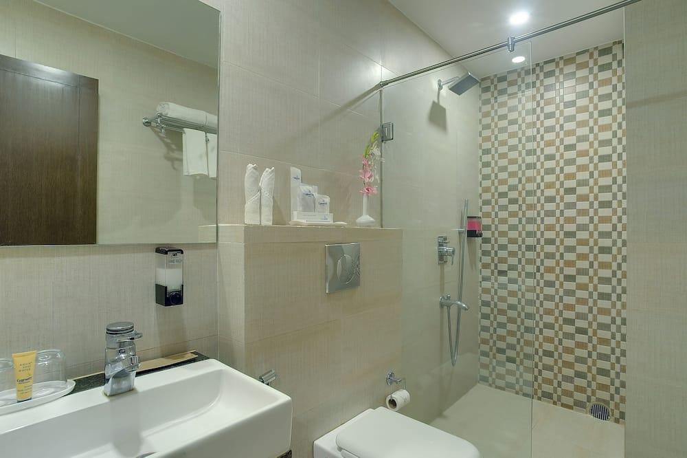 Club Room, 1 Bedroom, Non Smoking, City View - Bathroom