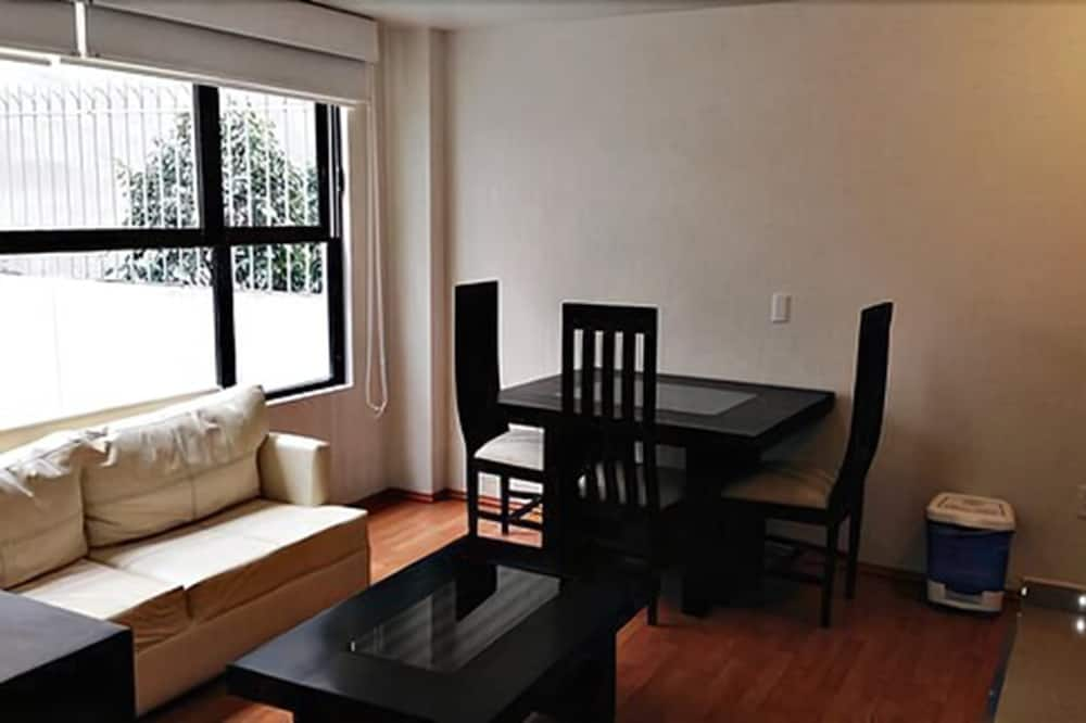 Deluxe Apartment, 1 Bedroom, Terrace, City View - Living Area