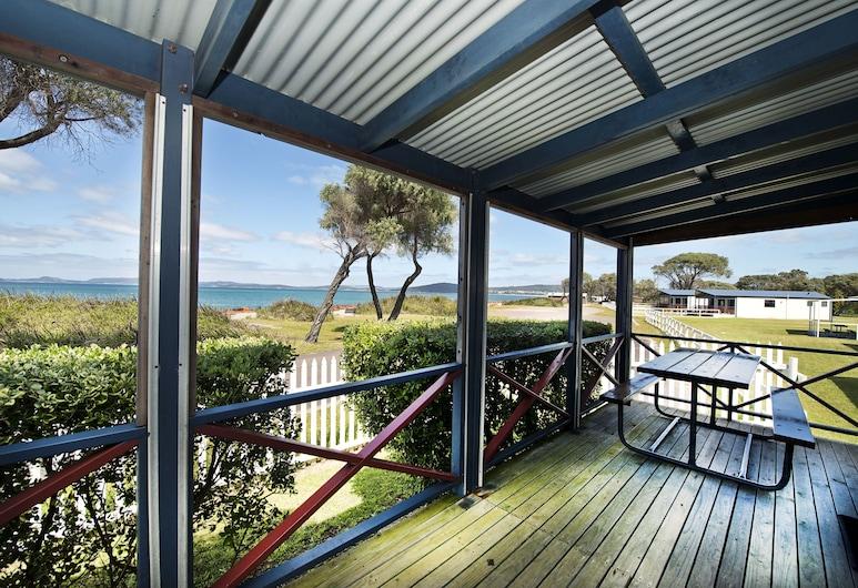 Acclaim Rose Gardens Beachside Holiday Park, Emu Point, Comfort Villa, 2 Bedrooms, Beach View, Beachfront, Teres/Laman Dalam
