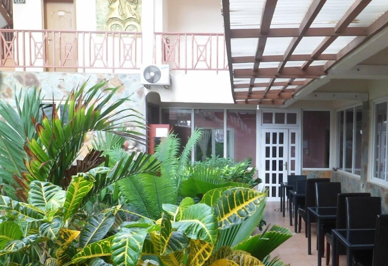 Kings Royal Atlantic Hotel, Accra, Outdoor Dining