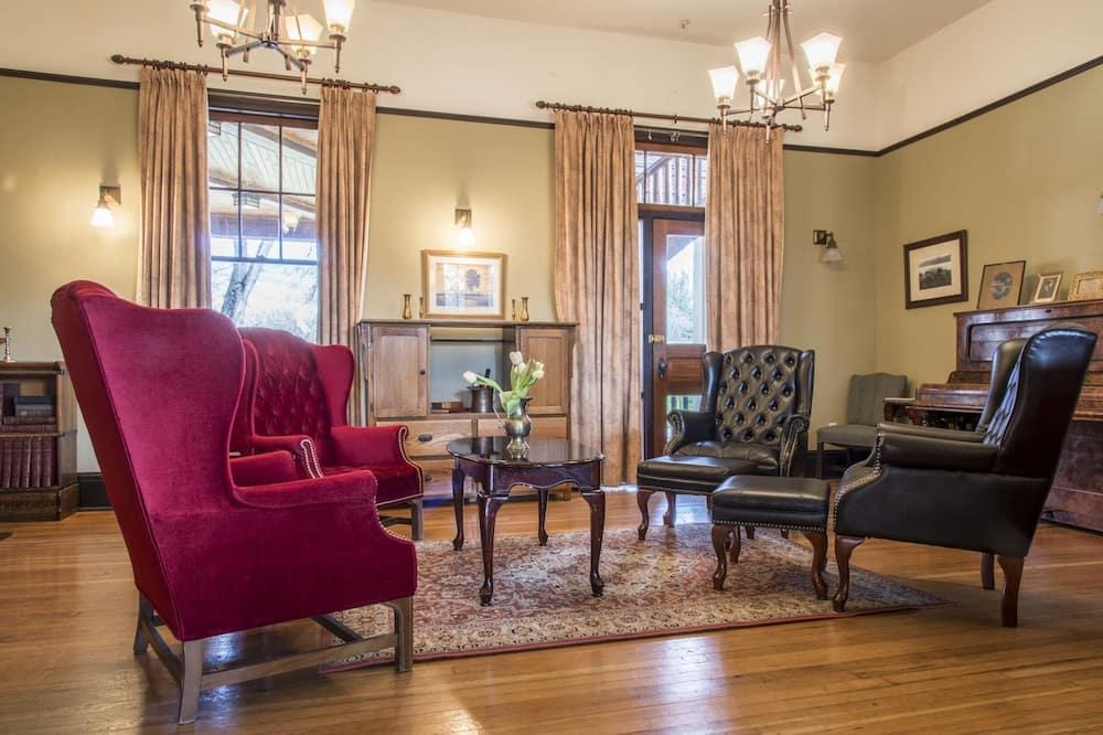 Suite Royale, 2 chambres, vue jardin (Superior) - Salle de séjour