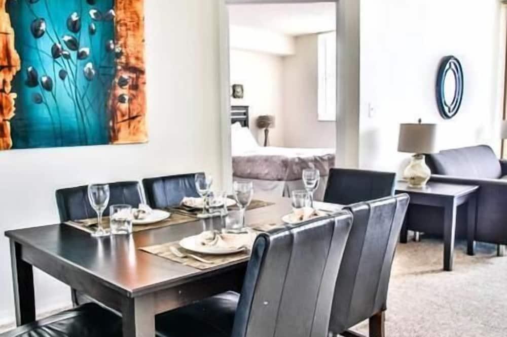 Luxus apartman, 1 hálószobával, kilátással az óceánra, tengerparti - Étkezés a szobában