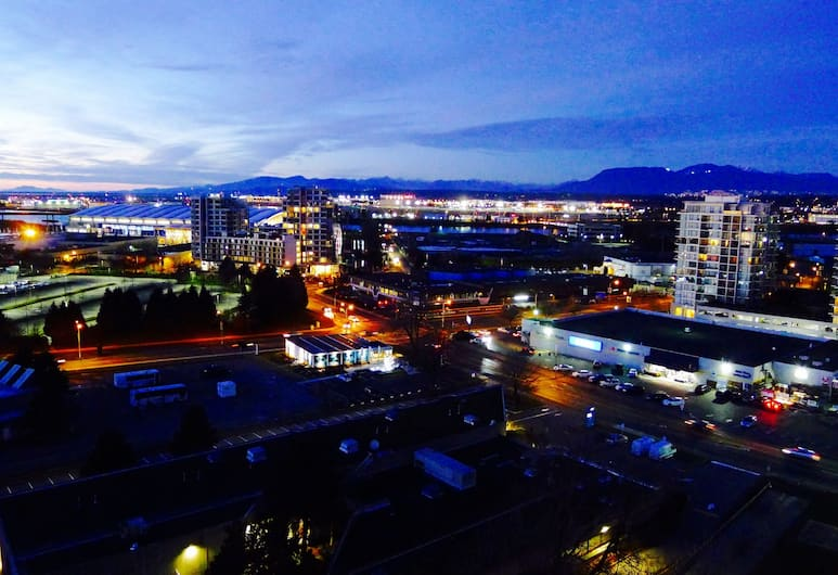 Vancouver Airport Condos, Richmond, Exclusive Penthouse, Kitchen (2 Floors, with Amazing Views), View from room