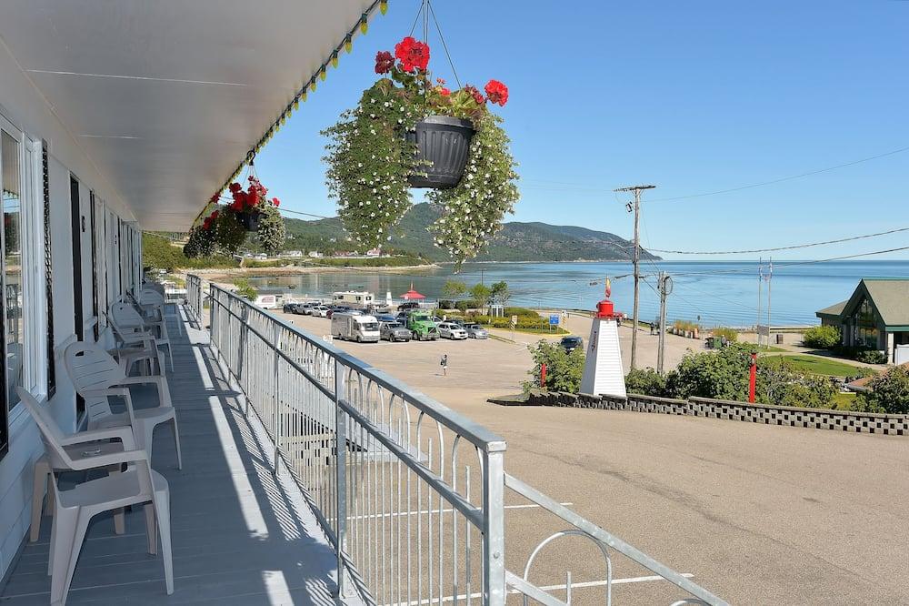Pokój standardowy, Łóżko podwójne, widok na rzekę - Balkon