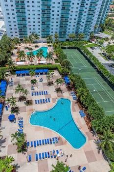 Foto Ocean Reserve OceanView Sunny Isles Luxury Condos di Sunny Isles Beach
