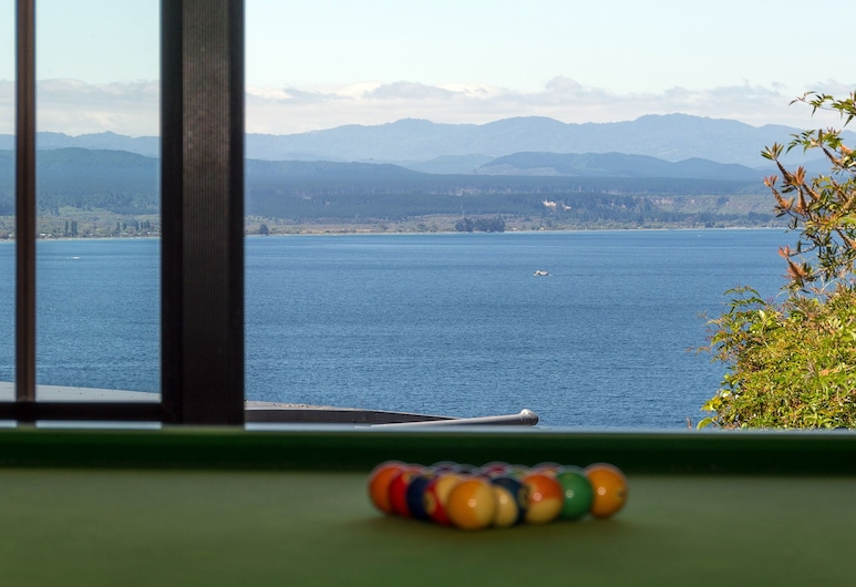 The Flying Trout Boutique Lodge, Taupo, Sports Bar