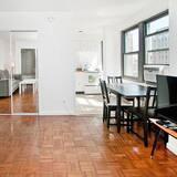 Апартаменти преміум-класу, 2 спальні, з видом на місто, кутовий номер - Житлова площа