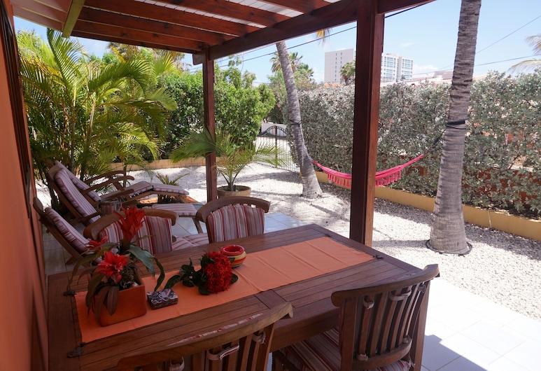 Cariñas Studio Apartments, Noord, Poilsio namelis, Terasa / vidinis kiemas