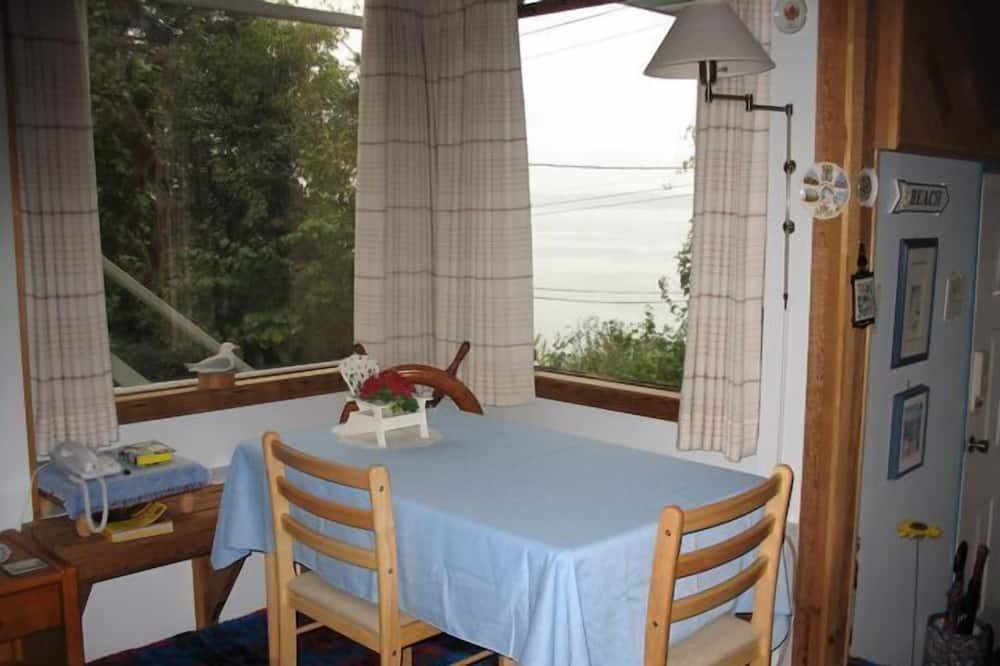 家庭套房, 2 間臥室, 簡易廚房, 海景 - 客房餐飲服務
