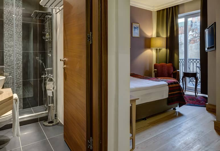 No11 Hotel & Apartments, Istanbul, Double or Twin Room with Balcony, Camera