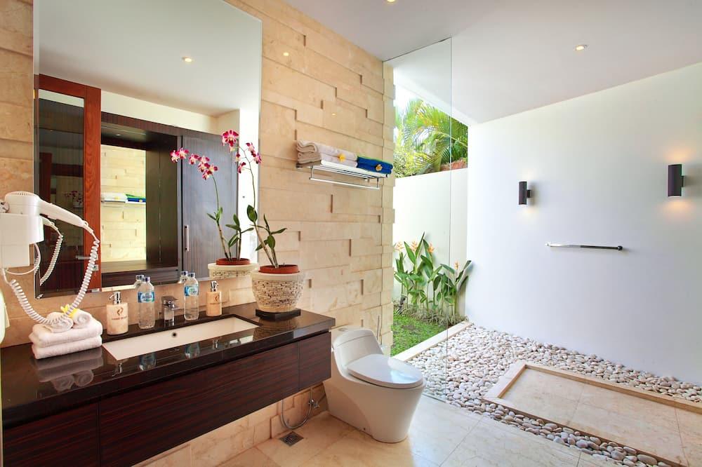 Luxury Villa, 2 Bedrooms, Private Pool, Garden View (The Badhra) - Bathroom