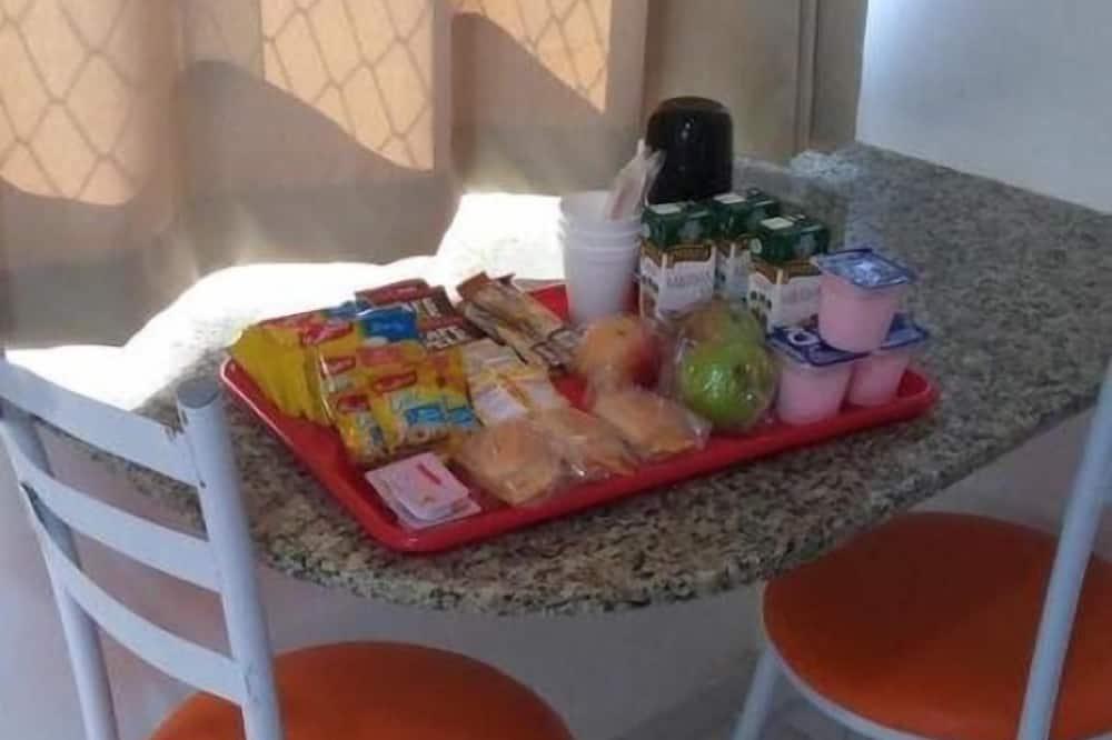غرفة فردية - تناول الطعام داخل الغرفة