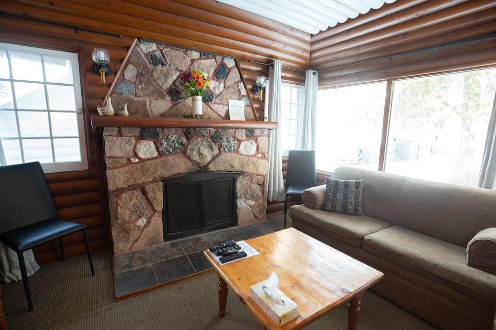 Cabin, 2 Bedrooms, Fireplace, Garden View - Living Area