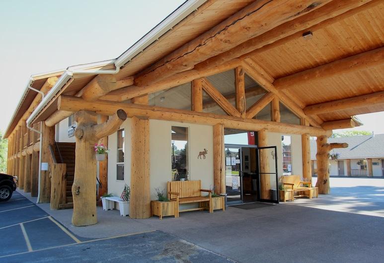 Moose Creek Lodge & Suites, Κόντι, Πρόσοψη ξενοδοχείου