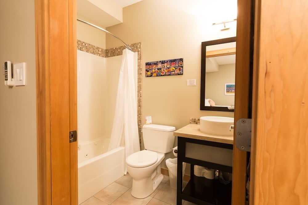 Suite, vista al jardín - Baño