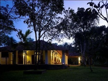 15 Closest Hotels to Horagolla National Park in Attanagalla