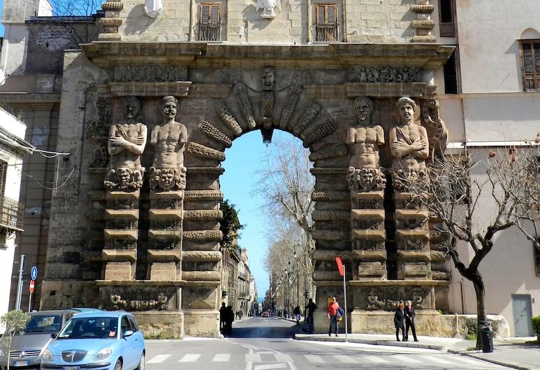 Orleans Apartments, Palermo, Hala