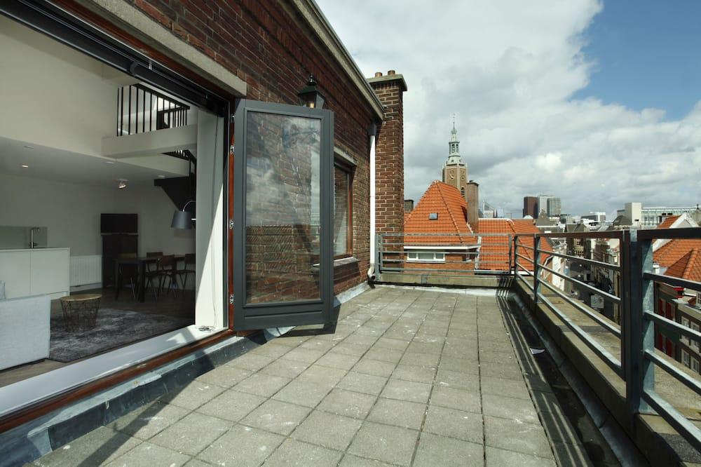 Loftsleilighet, 2 soverom, terrasse, utsikt mot byen - Balkong