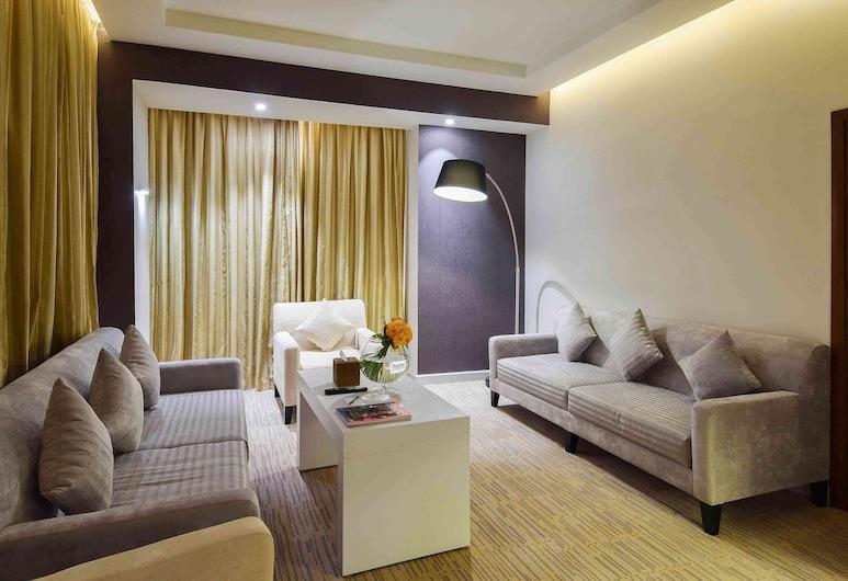 Novotel Suites Riyadh Dyar, Riyadh, Family Suite, 1 Katil Ratu (Queen) dengan Katil Sofa, Bilik Tamu