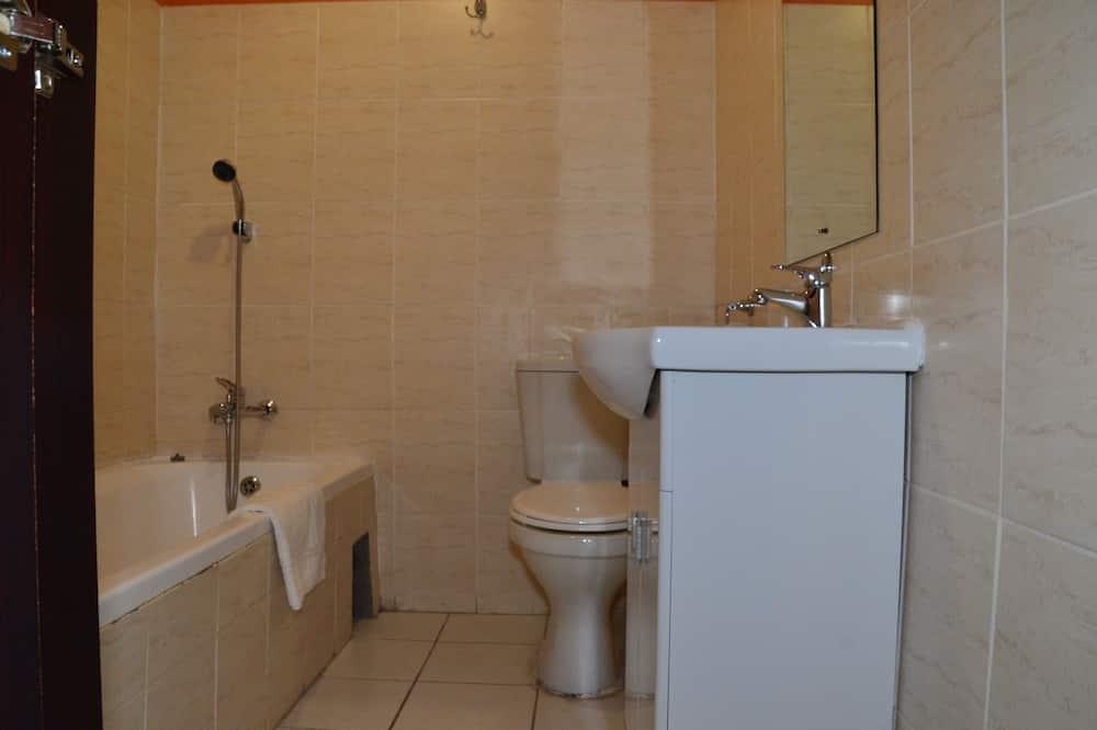 Üç Kişilik Oda - Banyo