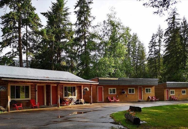 Overlook Inn & Cabins, Clearwater, Garden