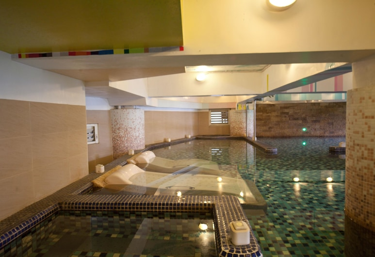 Champagne Hotel, Jiaoxi, Indoor Spa Tub