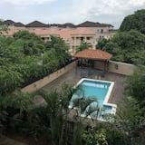 Camera Comfort, 1 letto king, accesso alla piscina, vista piscina - Vista su una distesa d´acqua