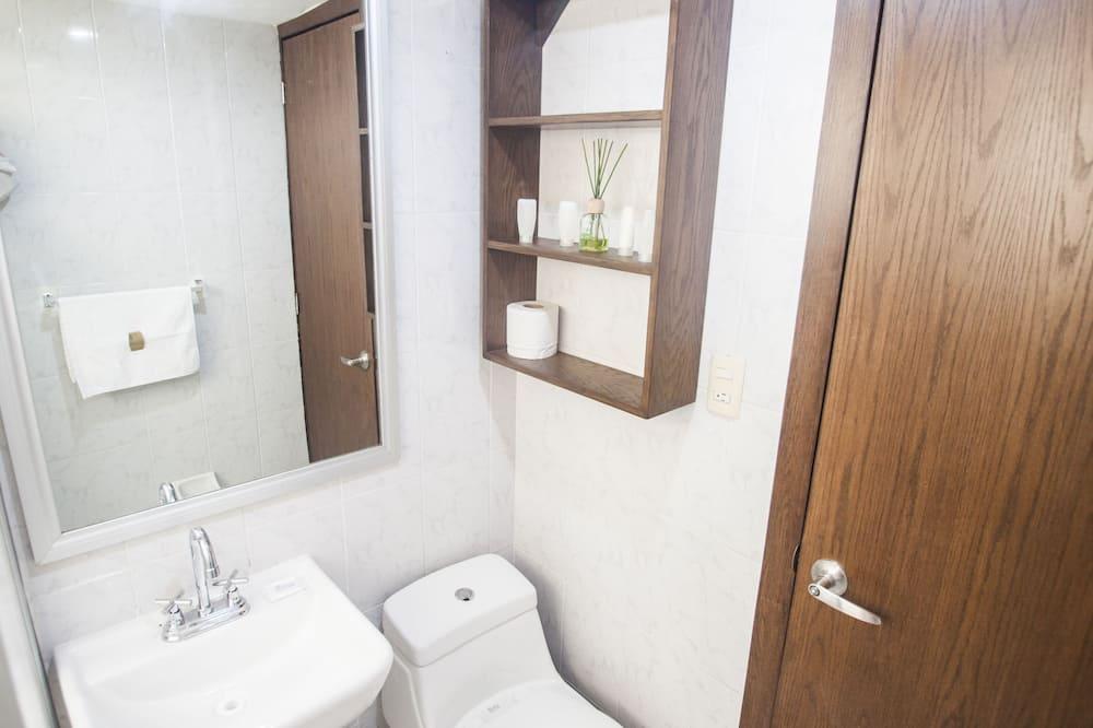 套房, 3 間臥室 - 浴室