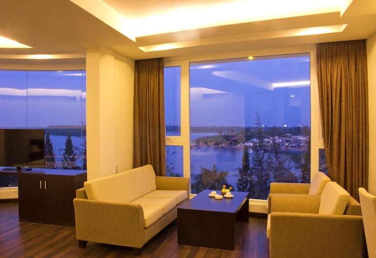International Hotel, Can Tho, Executive soba, pogled na rijeku, Dnevni boravak