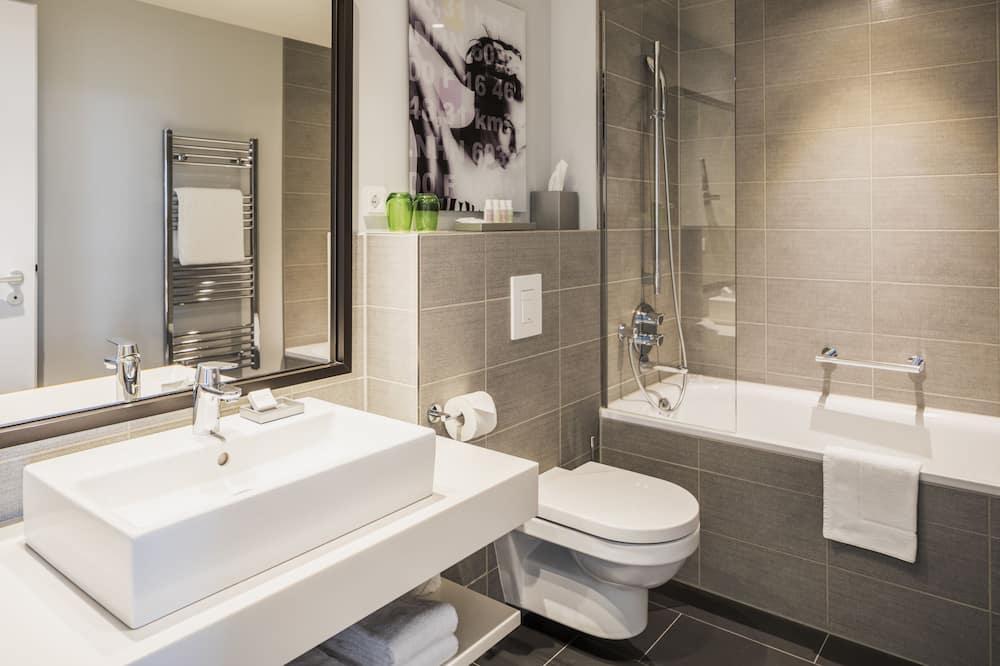 Executive appartement, 1 kingsize bed, kitchenette - Badkamer