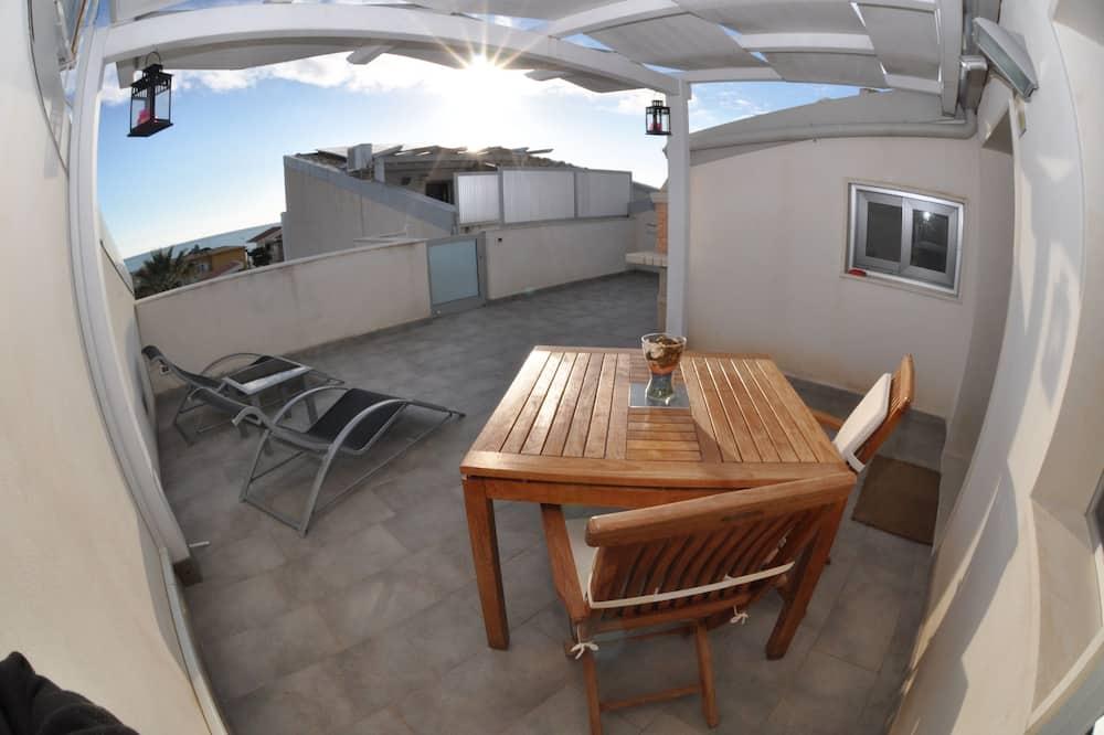 Comfort Apartment, 1 Bedroom, Kitchenette, Sea View - Terrace/Patio