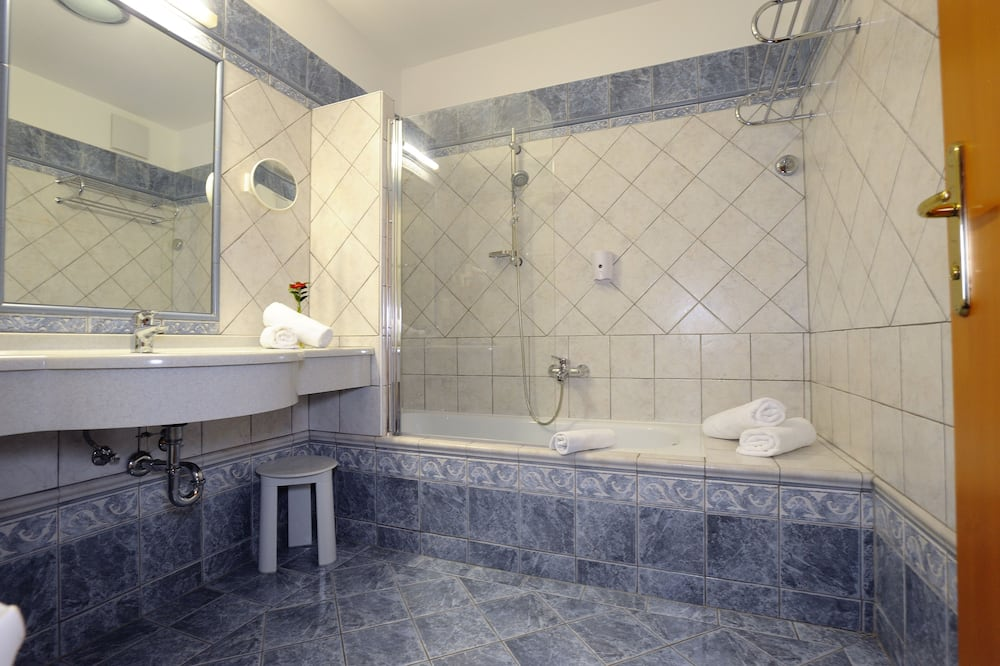 Comfort Double Room, 1 Double Bed, Balcony - Bathroom
