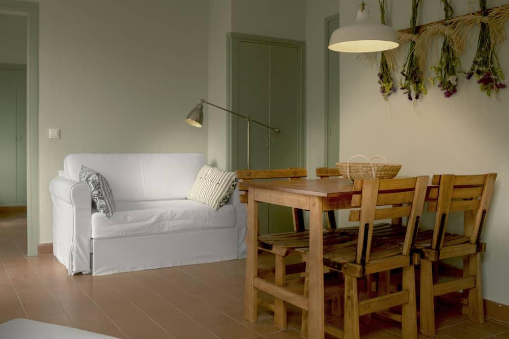 Apartmán, 1 ložnice, balkon - Obývací pokoj