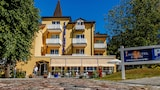 Book this Parking available Hotel in Ostseebad Goehren