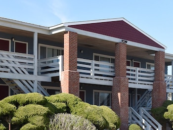 Picture of Born Free Suites by the Sea in Montauk
