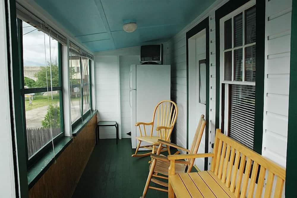 Коттедж «Премиум», 2 спальни, кухня - Балкон