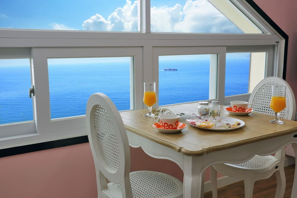 Fiance - Free breakfast for the 2 people team only - Essbereich im Zimmer
