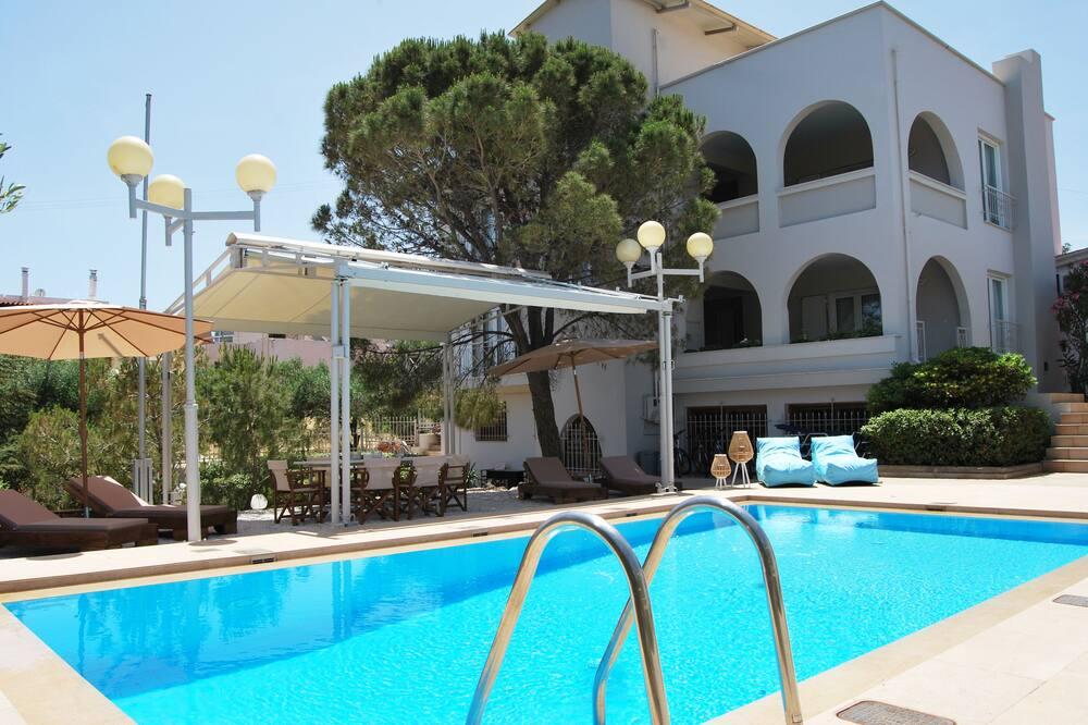 Chrysiida Luxury Suites