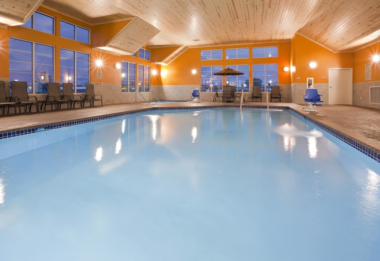 Grandstay Hotel And Suites Morris, Morris, Pool