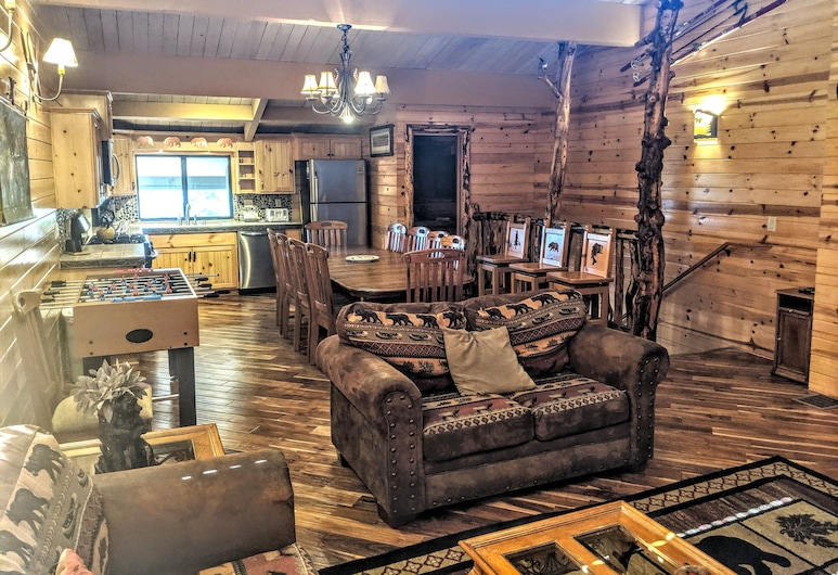 Snow Summit Townhouse Rentals & Sales, Big Bear Lake, Specialty Townhome, 4 Bedrooms (52), Huone