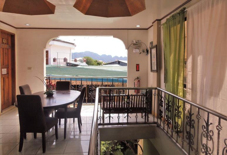 Palanca Guest House, Coron, Hotel Interior