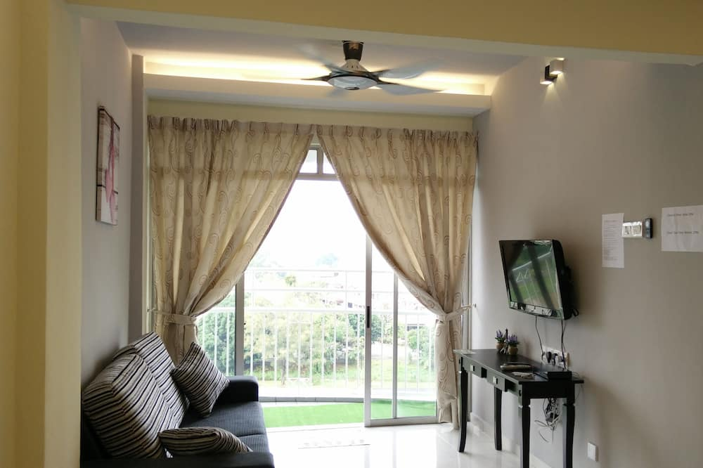 Apartment, 3 Bedrooms, Accessible, Garden View - Ruang Tamu