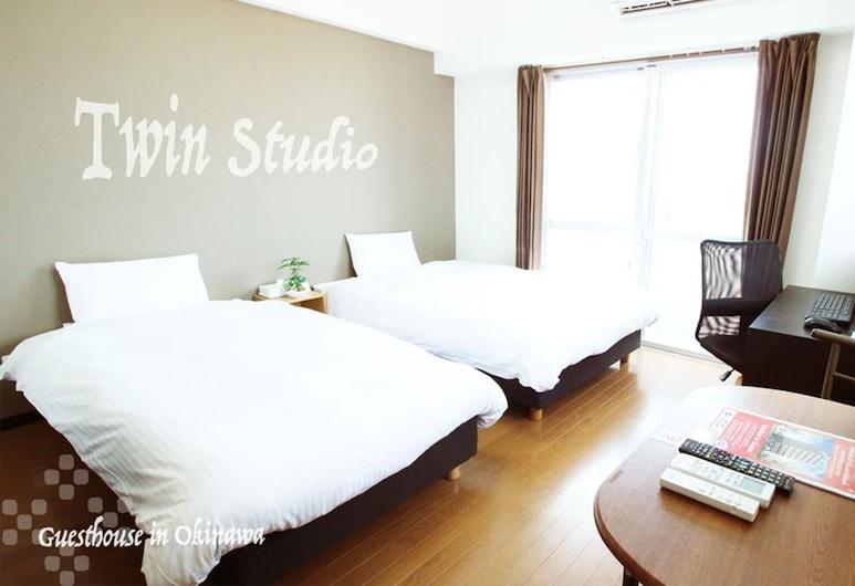Villa Coast Nishimachi Guesthouse in Okinawa, Naha, Standard-Zweibettzimmer, Zimmer