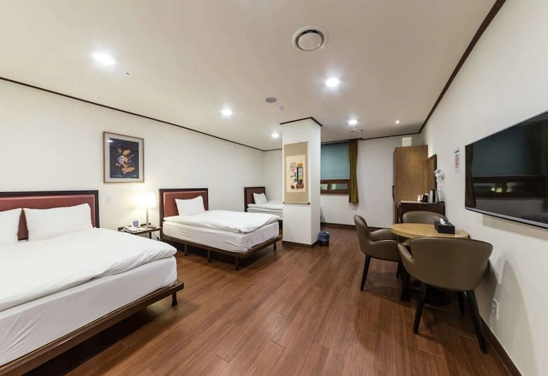 Youngbin Hotel, Seoul, Triple Room (Children under 5 not allowed), Guest Room