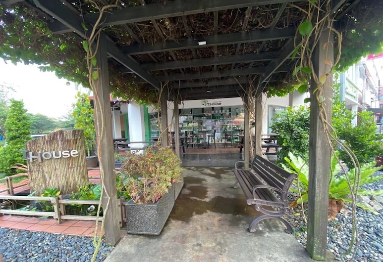 Swan Garden Hotel, Masai, Jardin
