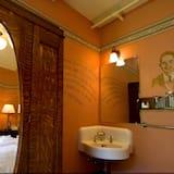 Номер, 1 двуспальная кровать «Квин-сайз» (Common Bath) - Ванная комната
