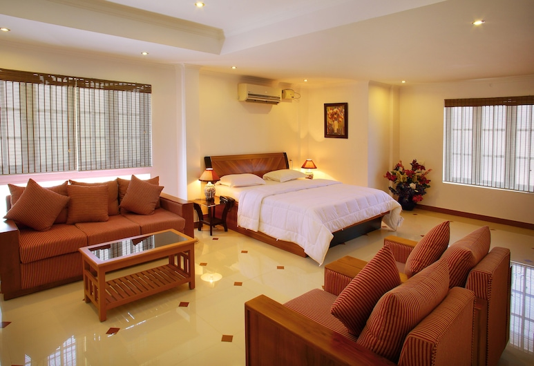 Phils Residency & Banquets, Kochi, Superior Suite, 2 Bedrooms, Room