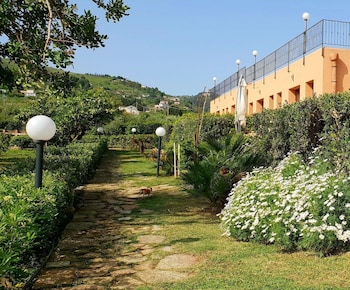Enter your dates for special Castellammare del Golfo last minute prices