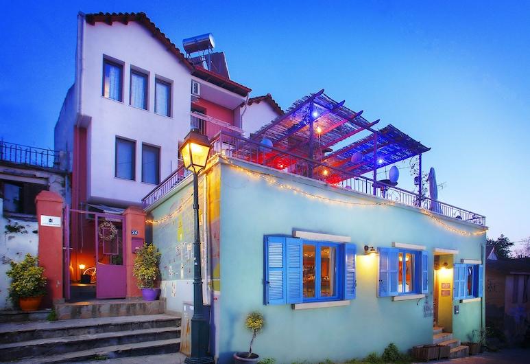 Little Big House, Salonicco