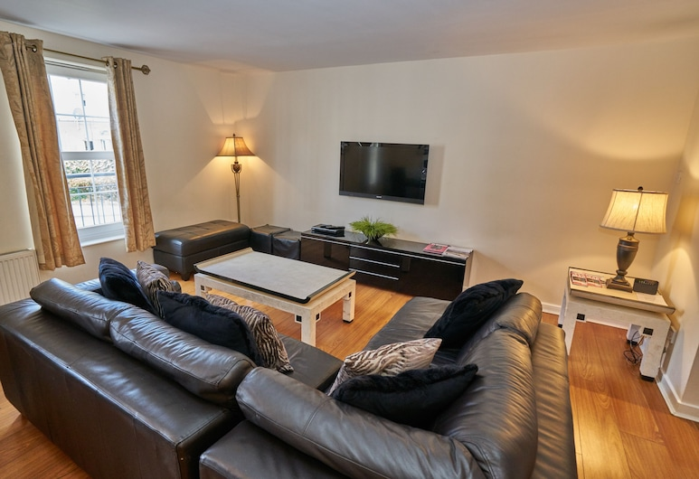 Edinburgh Pearl Apartments - Dalry Gait, Edinburgh, Apartment, 4 Bedrooms, Living Room